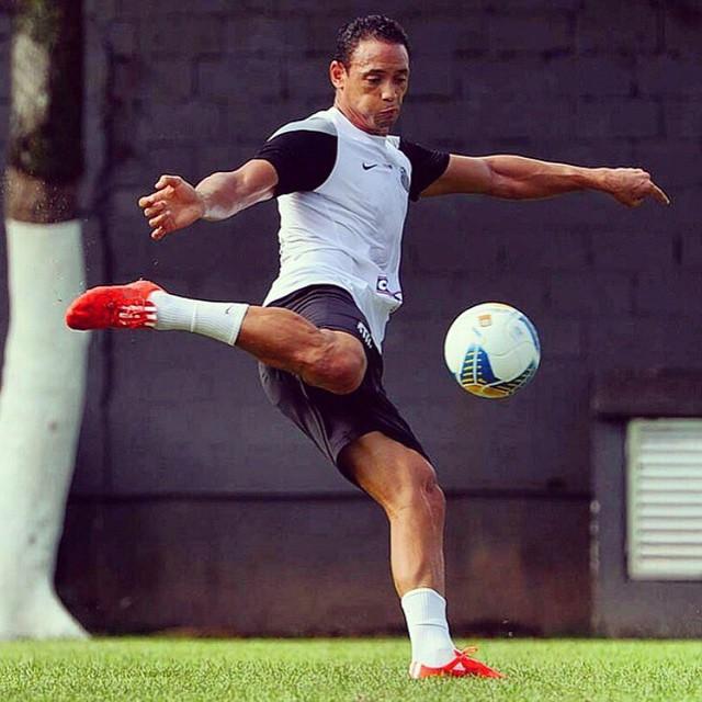 Sem Ricardo Oliveira, Santos visita o Vasco no Rio em busca da ...