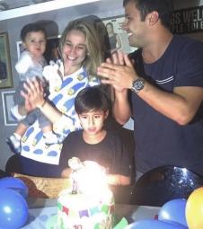 Fernanda Gentil celebra dez meses do filho