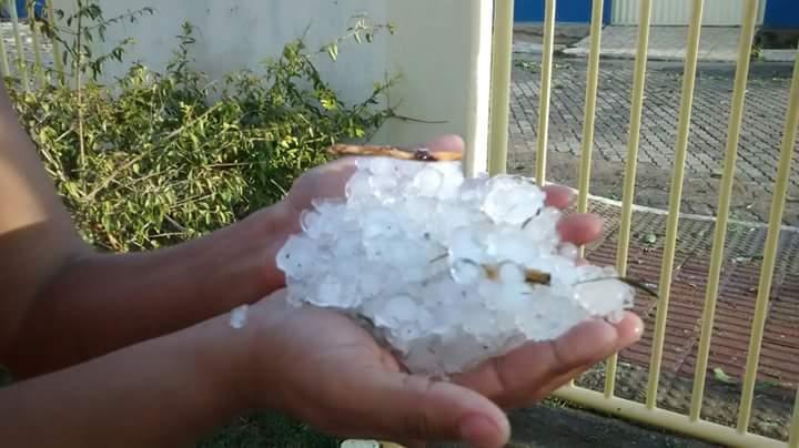 Chuva de granizo e ventos fortes deixam rastro de destruição em ...