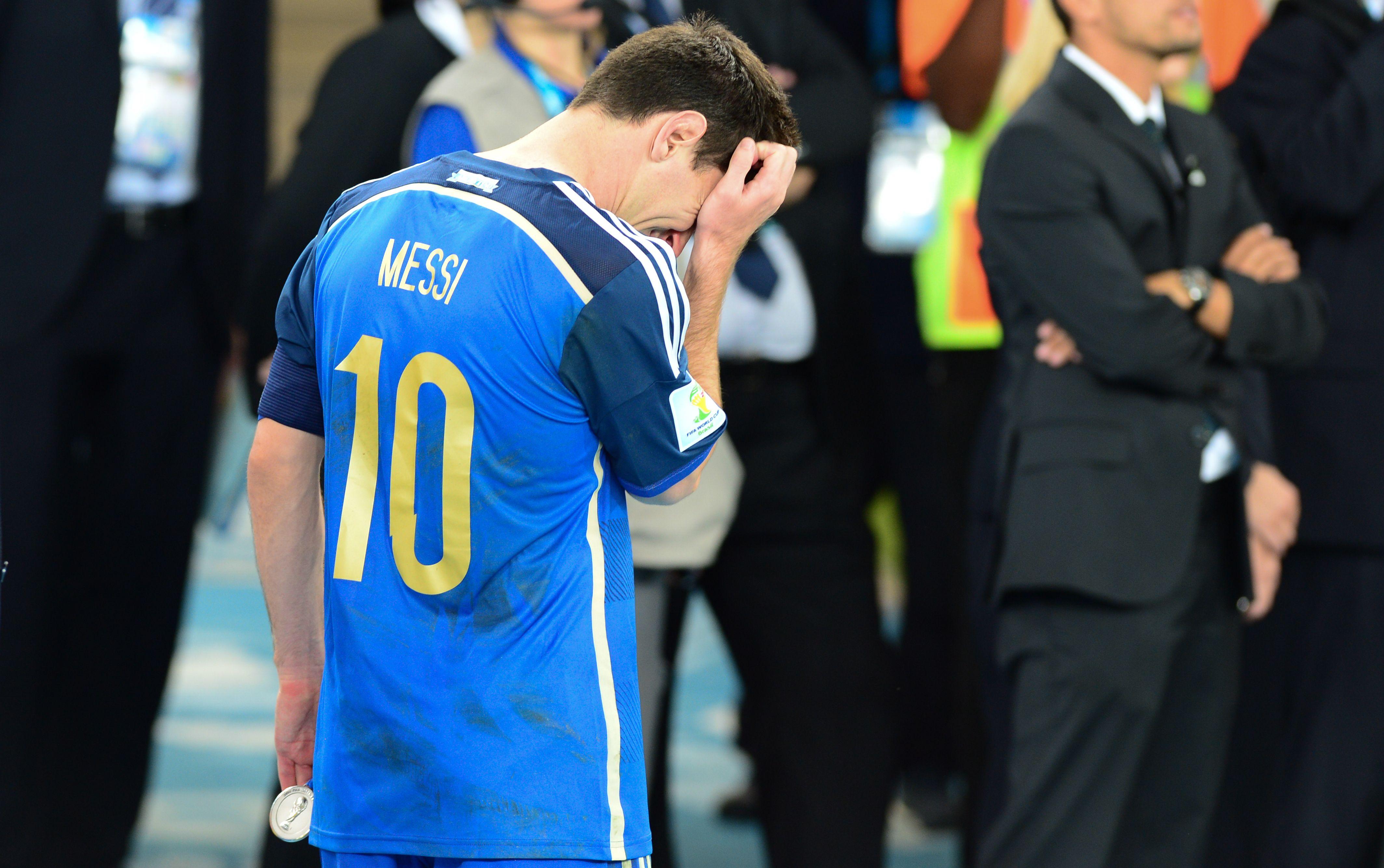Após 4º vice, Messi anuncia que não jogará mais pela Argentina ...