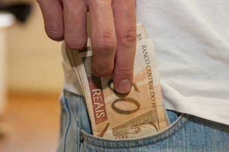 Receita libera consulta ao primeiro lote de restituição do IR 2016 ...