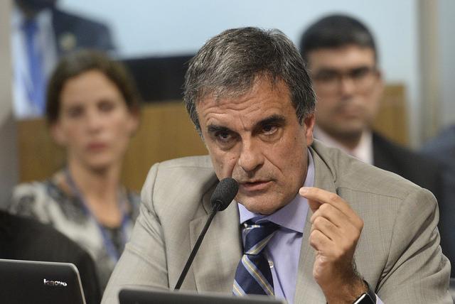 Testemunhas de defesa repetem que decretos de Dilma não ...