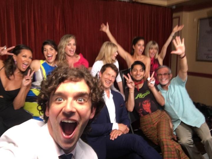 Elenco de Ugly Betty se reúne, veja a foto! | Folha Vitória
