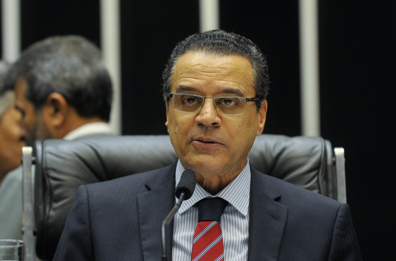 Suíça acha conta do ex-ministro Henrique Alves e envia ...