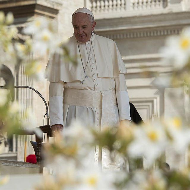 No Dia dos Namorados, Papa faz crítica à obsessão pelo corpo ...