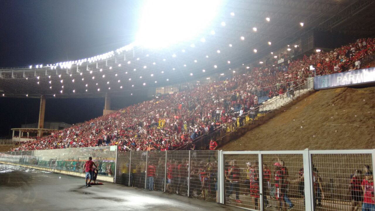Ainda há ingressos para ver Flamengo e América-MG no Kleber ...