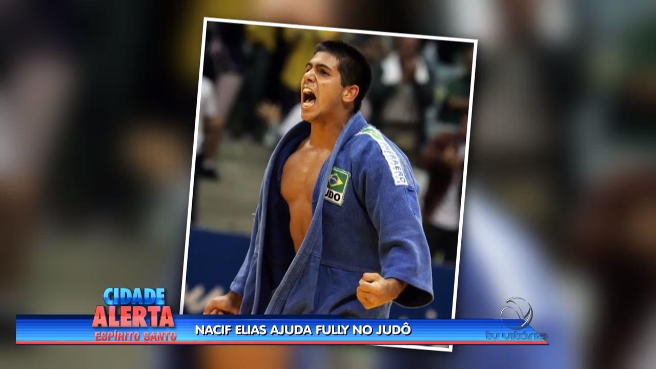 Fully pratica Judô na companhia do judoca Nacif Elias | Folha Vitória