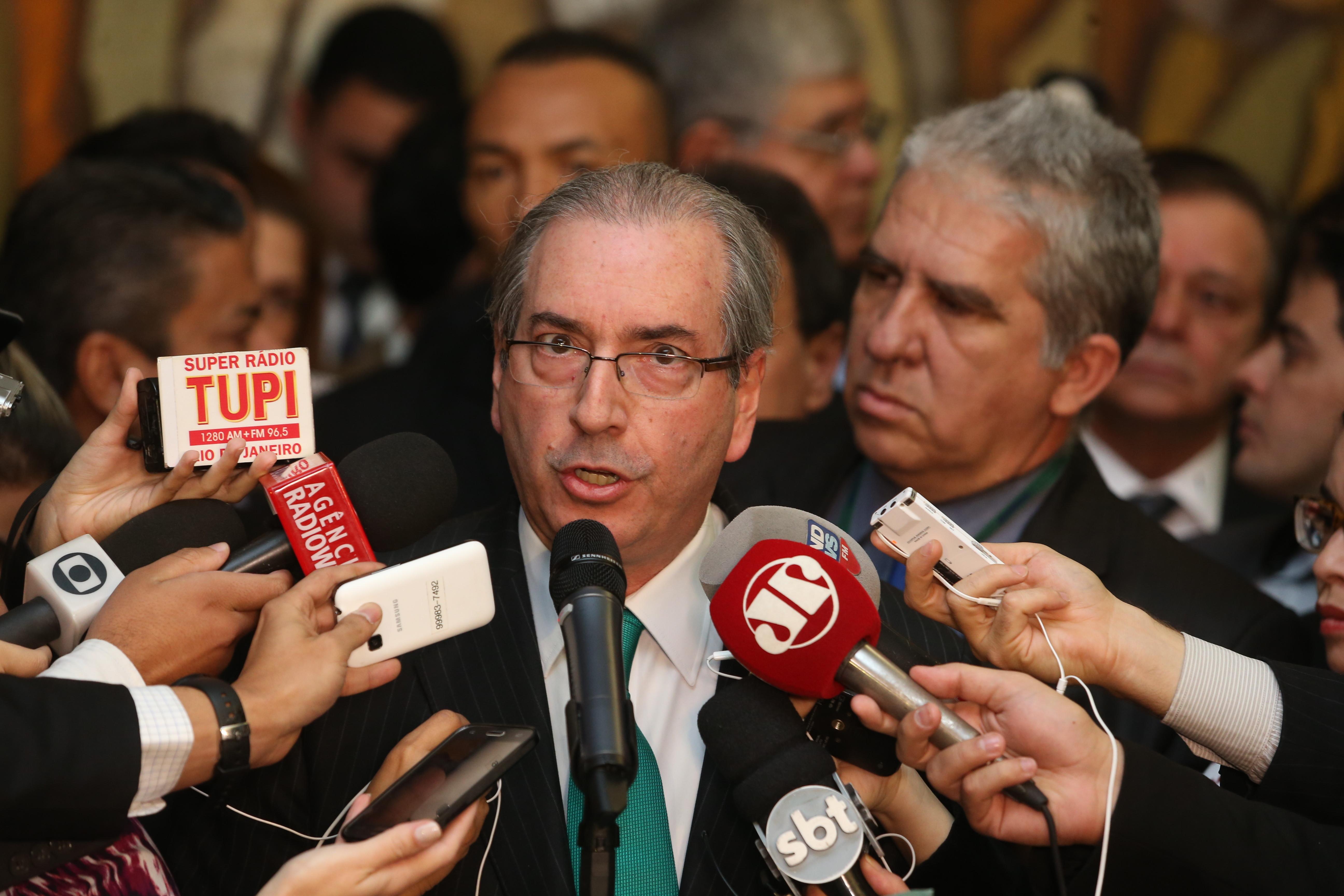 Eduardo Cunha vai da alegria às lágrimas ao anunciar renúncia à ...