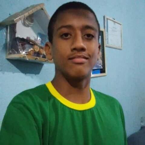 Aluno de 16 anos passa mal e morre em escola de Anchieta | Folha ...