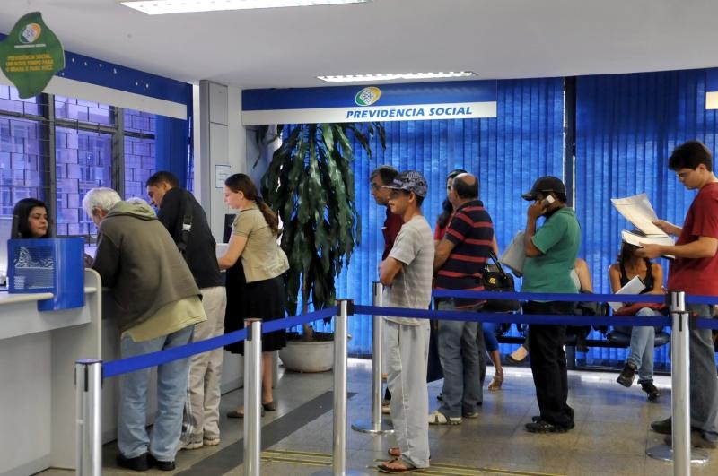 INSS vai pagar abono de R$ 579,78 para aposentados em agosto ...