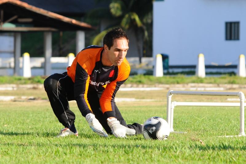 Goleiro da seleção brasileira, Fernando Prass está fora dos Jogos ...