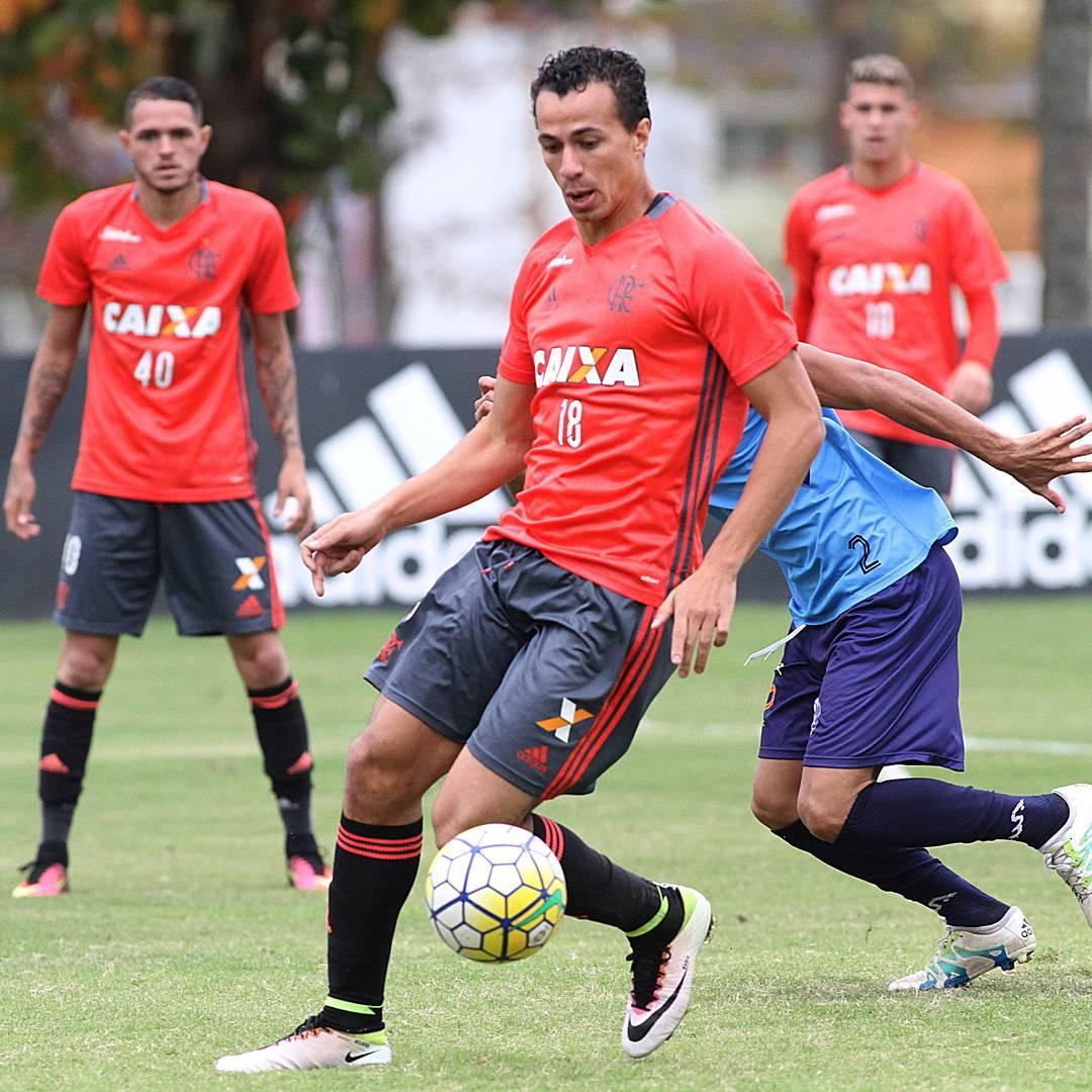 Leandro Damião e Donatti podem estrear pelo Flamengo no Kleber ...