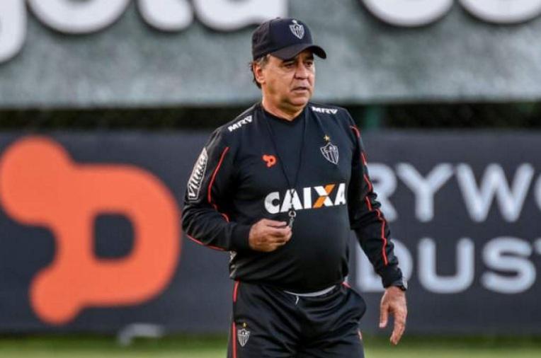 Marcelo comanda treino e faz mistério sobre escalação do Atlético ...