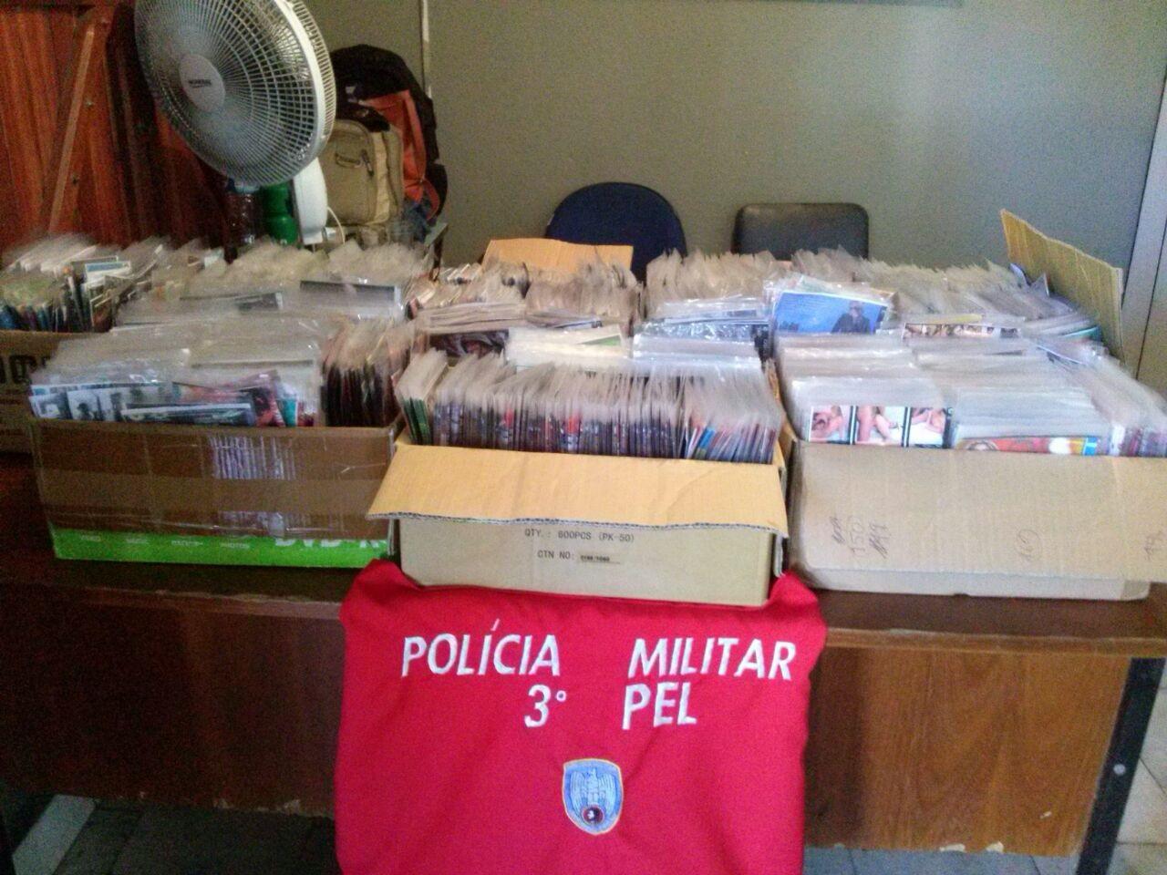 Polícia Militar apreende quase 5 mil CDs e DVDs piratas durante ...