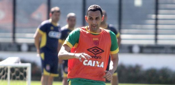 Rafael Marques chega para melhorar o sistema defensivo do Vasco ...