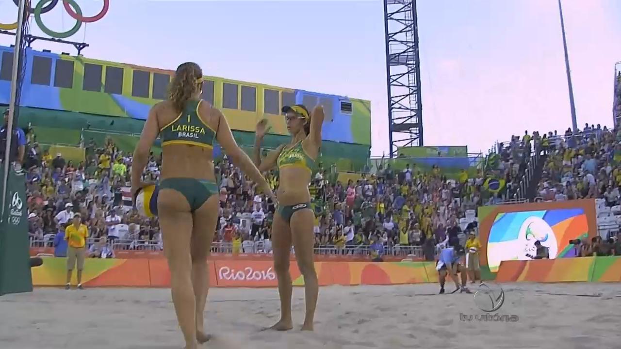 Duplas brasileiras de vôlei de praia feminino estão na semifinal ...
