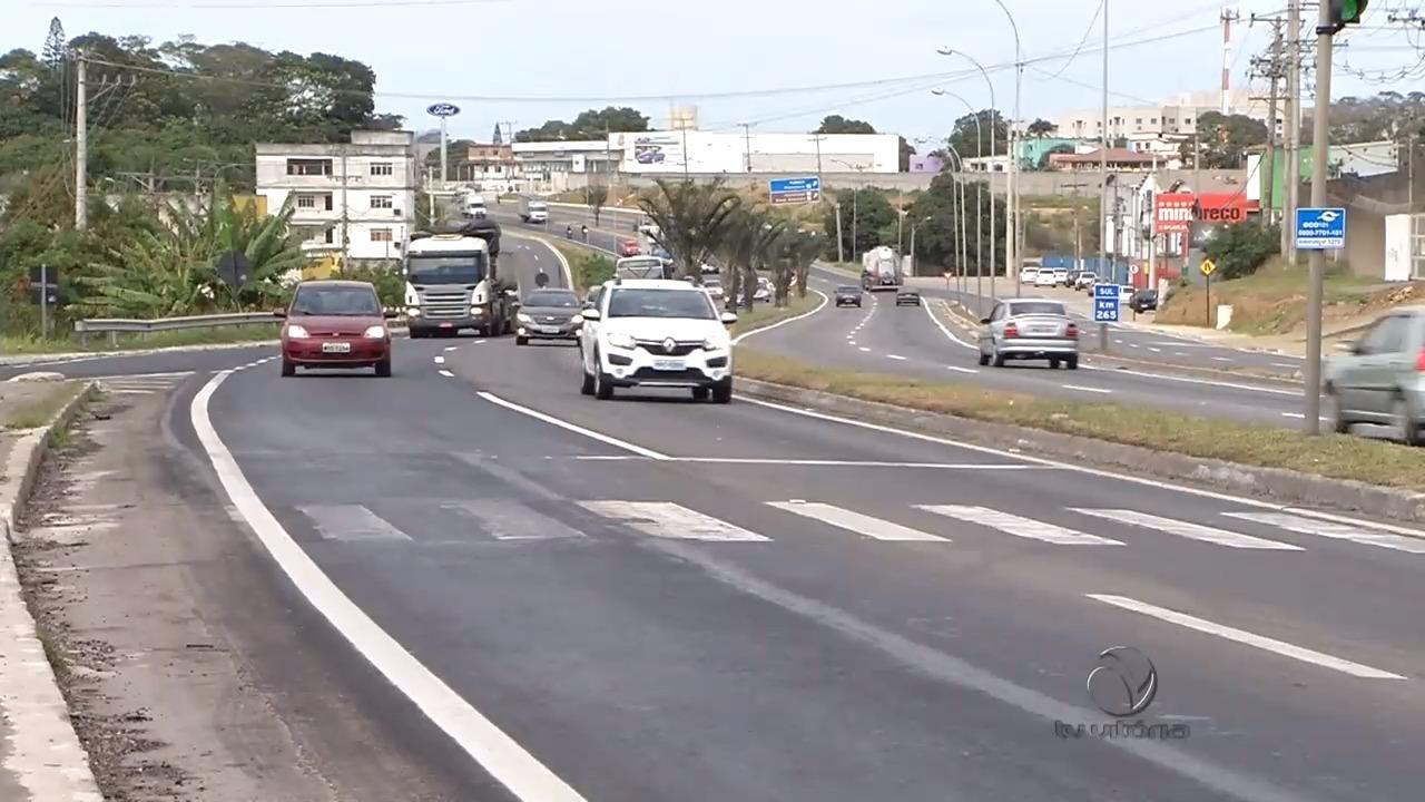 Ciclista morre atropelada na BR-101, na Serra | Folha Vitória