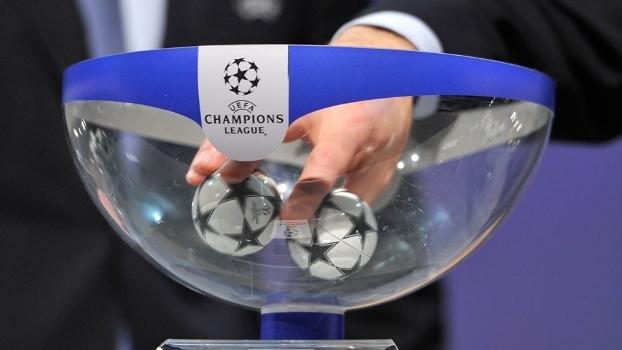 Sorteio coloca Barcelona e Manchester City no mesmo grupo da ...