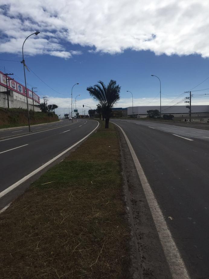 Ciclista morre em acidente envolvendo carro na Serra | Folha Vitória