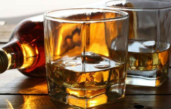 Hotel é flagrado vendendo bebidas vencidas no Centro de Vitória ...