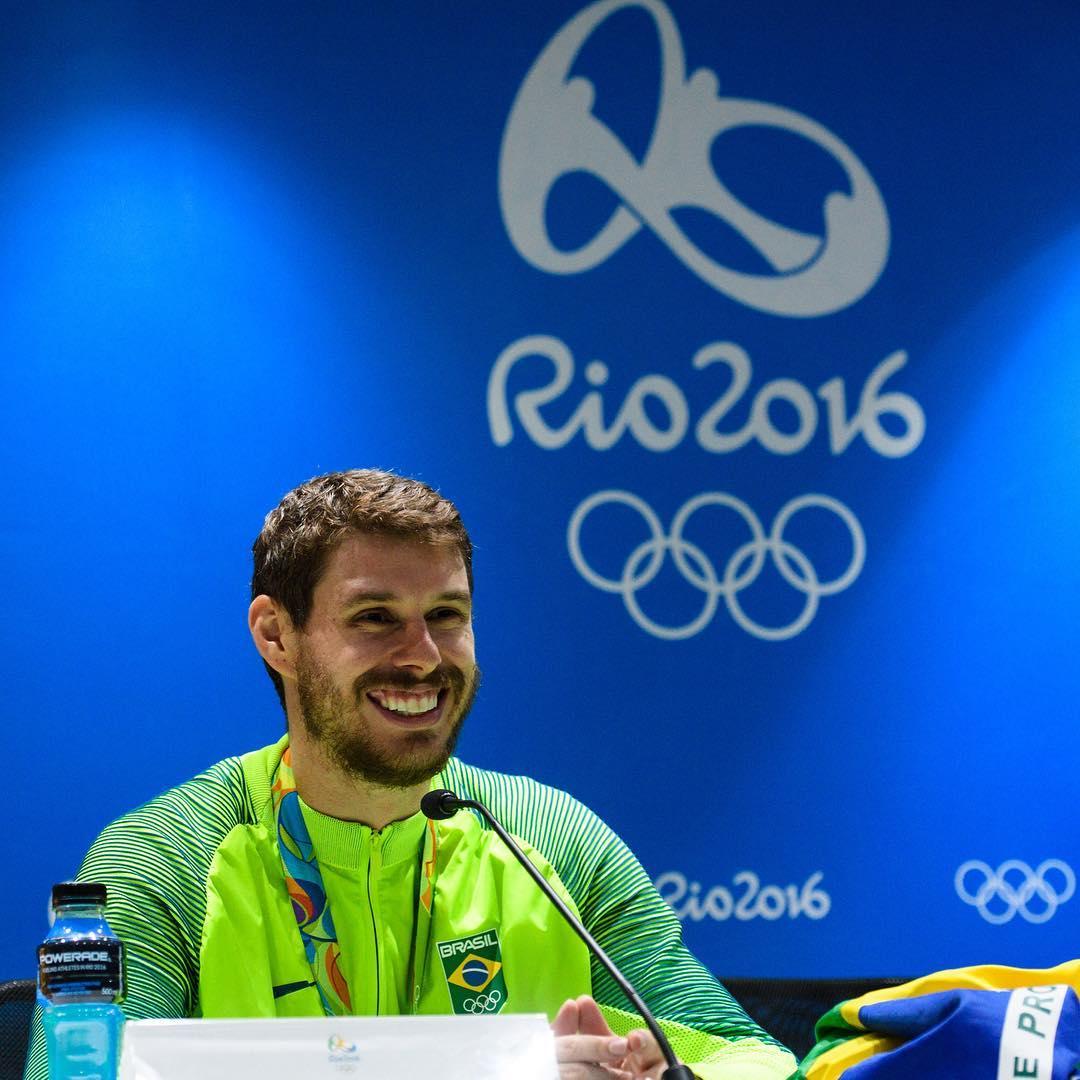 Ouro é visto como coroação para carreira de Bruninho no vôlei ...