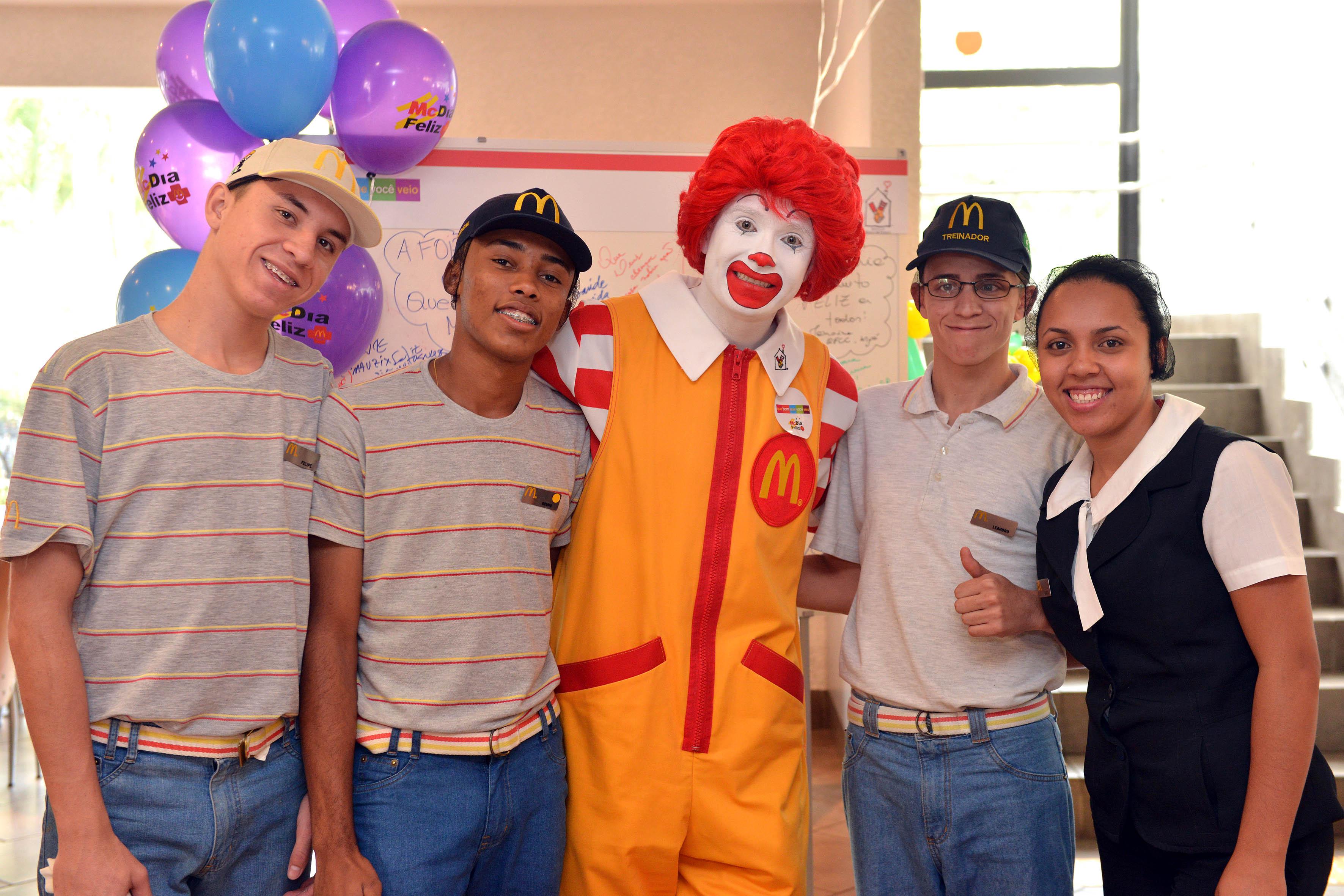 ca1200ebe92 McDia Feliz  campanha vai ajudar crianças e adolescentes com câncer no  Espírito Santo