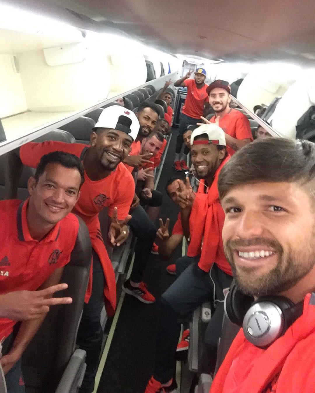 Flamengo e Palestino chegam a Vitória nesta terça para confronto ...