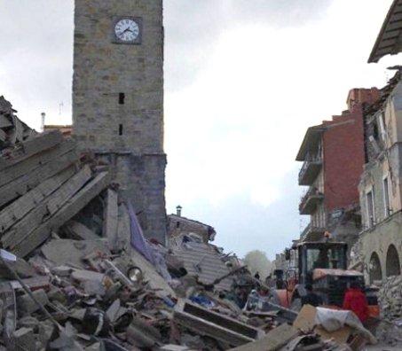 Vítimas fatais já somam mais de 245 após terremoto na Itália | Folha ...