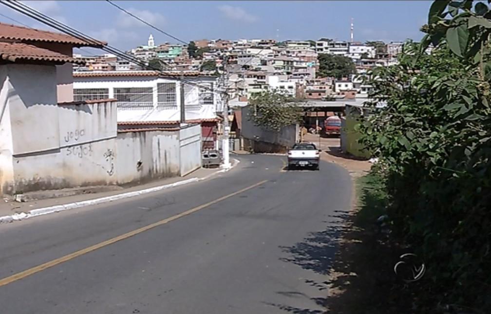 Jovem é morto com tiro no peito após discussão em Cariacica ...