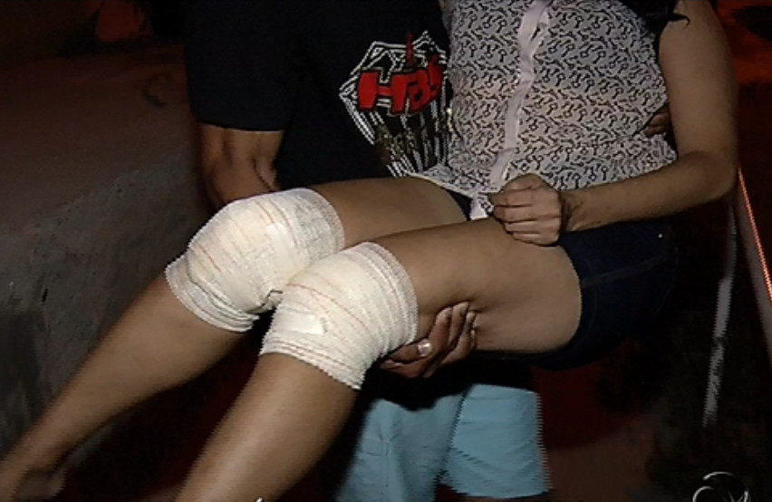 Mulher é carregada até delegacia após sofrer agressão em Vitória ...