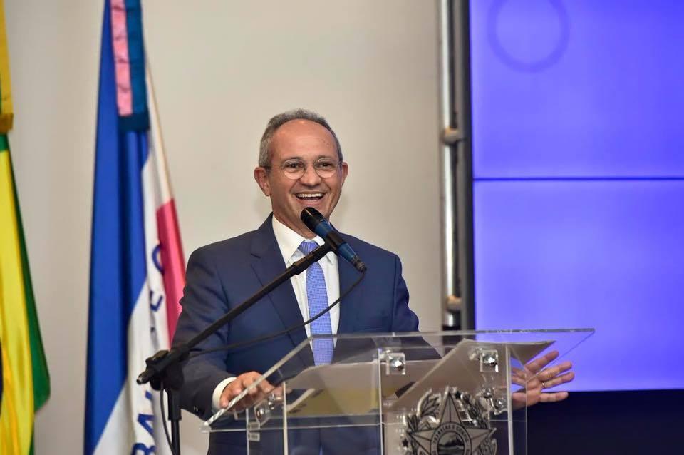 Paulo Hartung é o principal nome do PMDB para a disputa ...