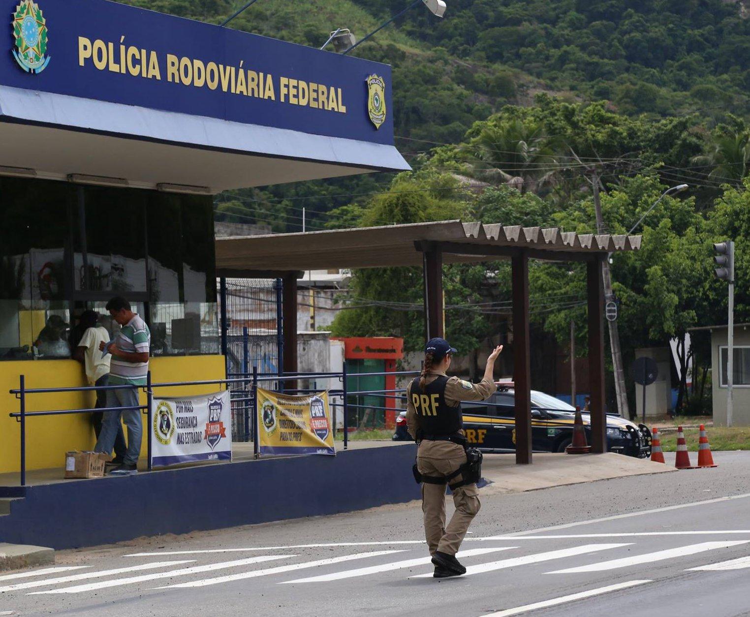 Motociclista morre em grave acidente em Baixo Guandu   Folha Vitória