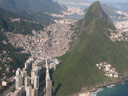 Notícias negativas derrubam busca por passeios em favelas do Rio ...
