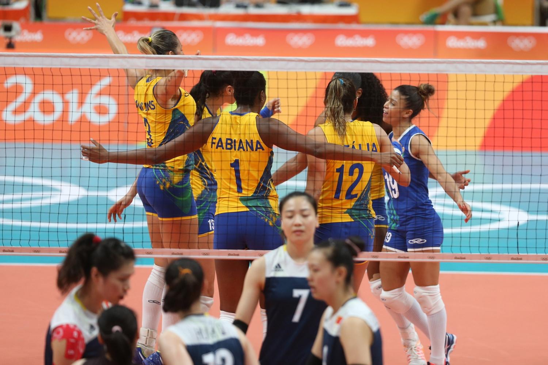 Chinesas vencem e seleção brasileira de vôlei feminino dá adeus à ...