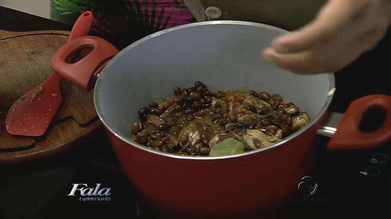 Aprenda a fazer uma deliciosa feijoada de frango | Folha Vitória