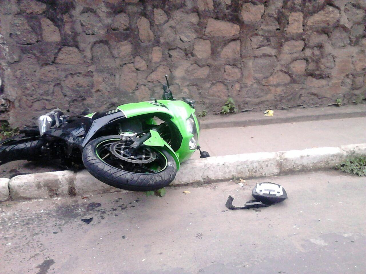 Motociclista morre em Guarapari após bater com motocicleta em muro
