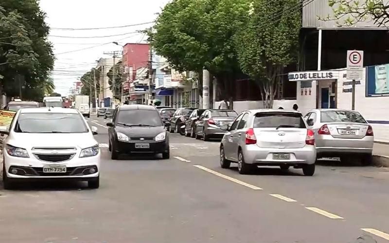 Moradores assustados com onda de roubo de carros em bairro de ...