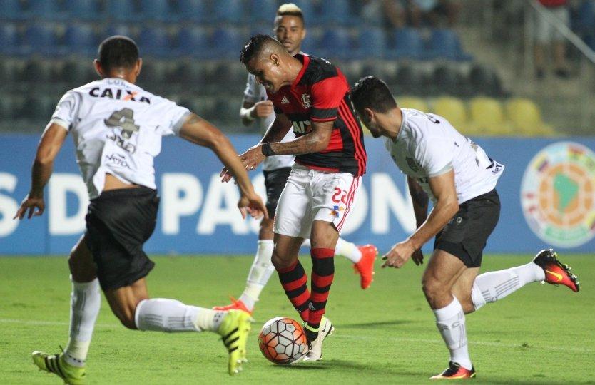 Flamengo reverte placar contra o Figueirense e avança na Sul ...
