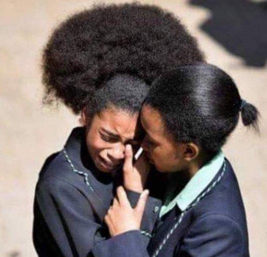 Escola na África do Sul é acusada de obrigar meninas negras a ...