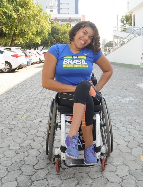 Capixaba Jéssica supera síndrome rara e defende as cores do ...