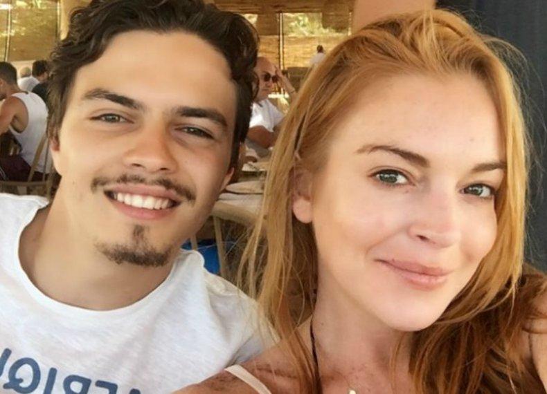 Após briga com Egor por conta de um celular, Lindsay Lohan faz o ...