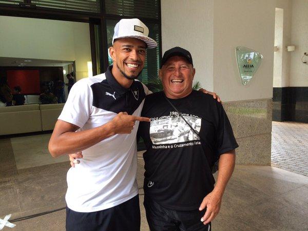 Campeão carioca em 1989 pelo Botafogo, Mazolinha morre aos 57 ...