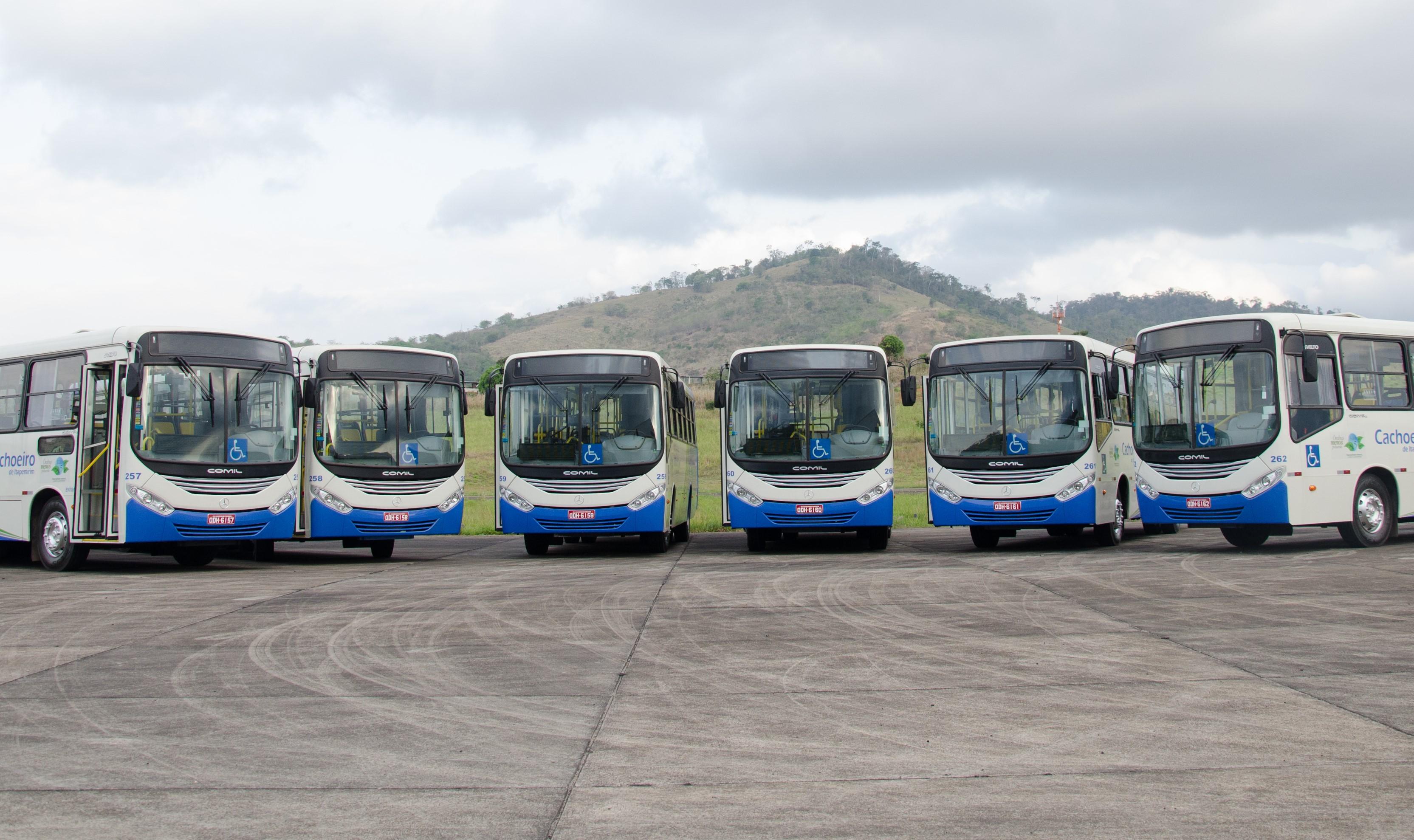 Manifestação de motoristas deixa usuários sem ônibus em Cachoeiro