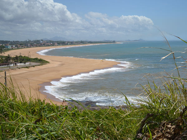Gari encontra bebê morto dentro de sacola de lixo em praia de Vila ...