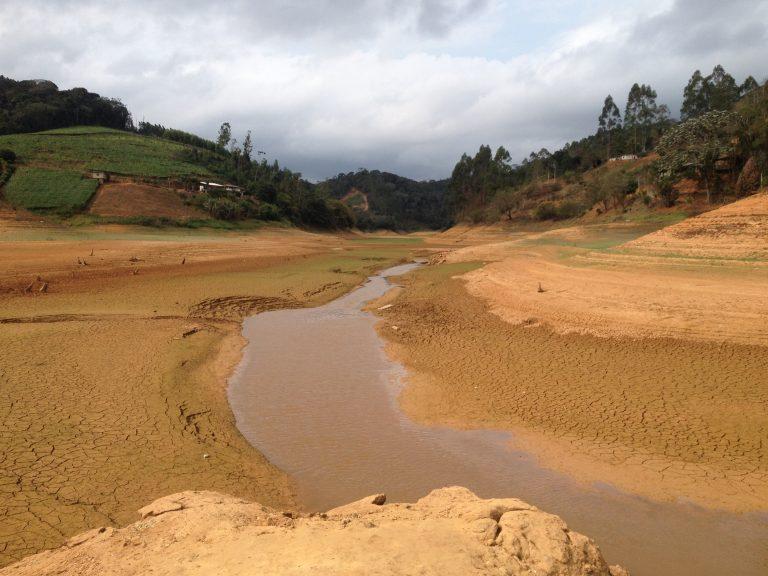 Vídeo feito com drone mostra situação da Barragem Rio Bonito em ...