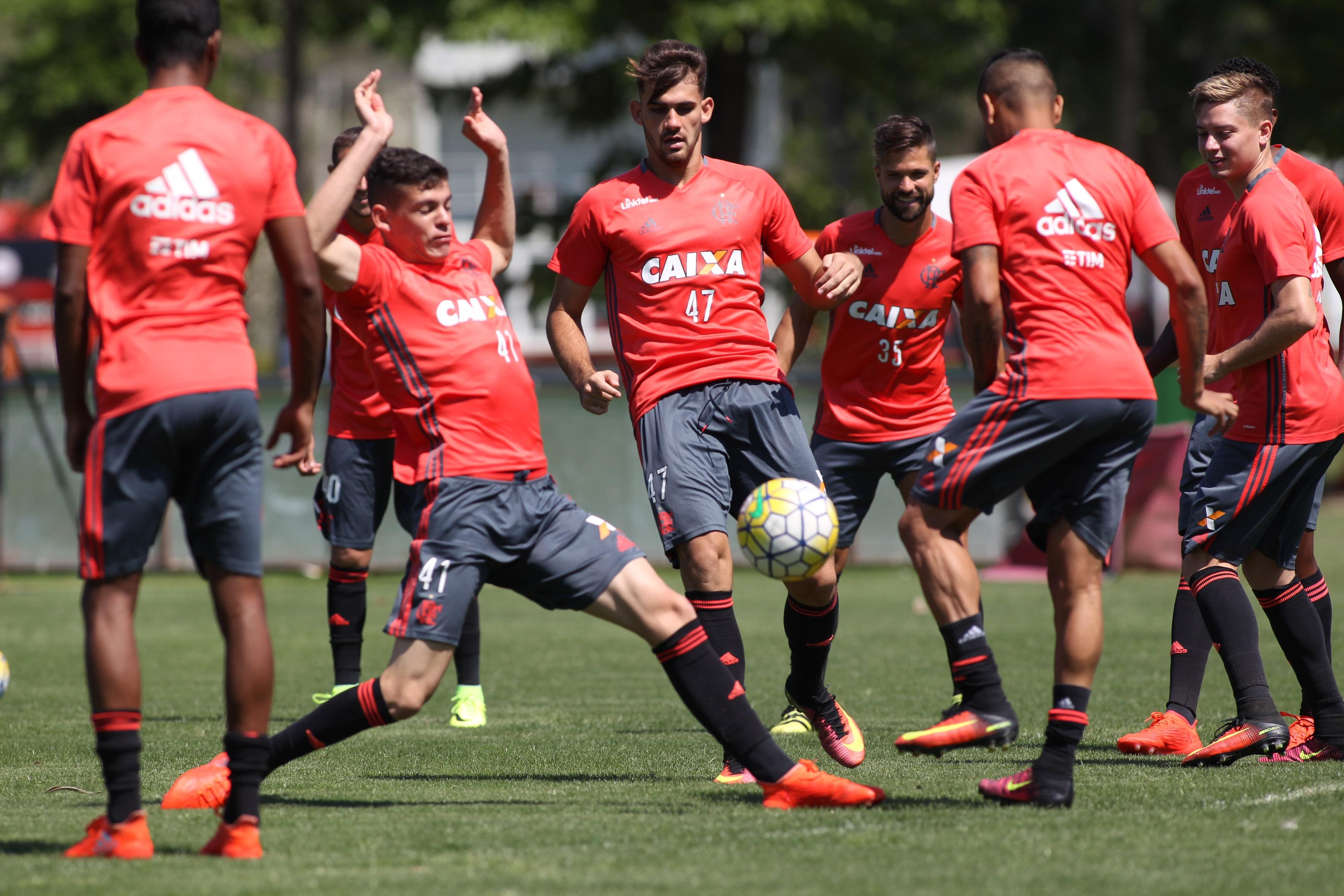 Com time misto no Chile, Flamengo tenta encaminhar vaga na ...