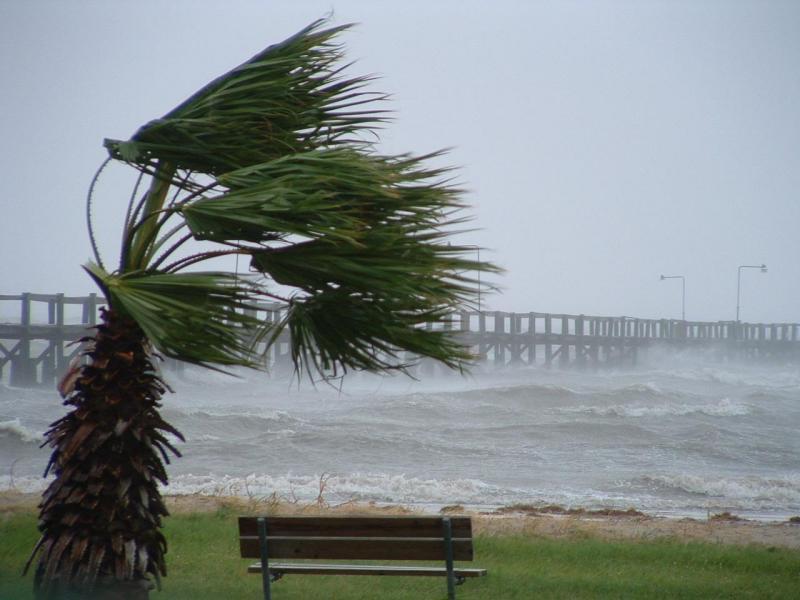 Ventos de até 70 km/h e pancadas de chuva podem atingir o ES nos ...