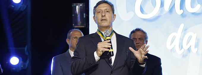 Americo Buaiz é homenageado com medalha do mérito industrial da CNI