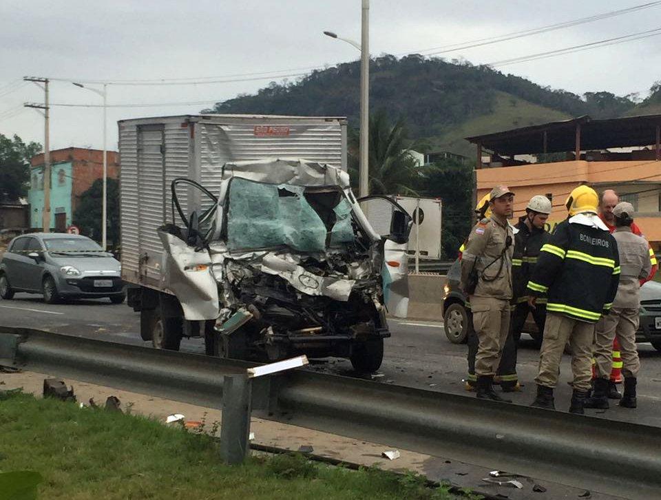 Duas pessoas morrem em grave acidente na Rodovia do Contorno ...