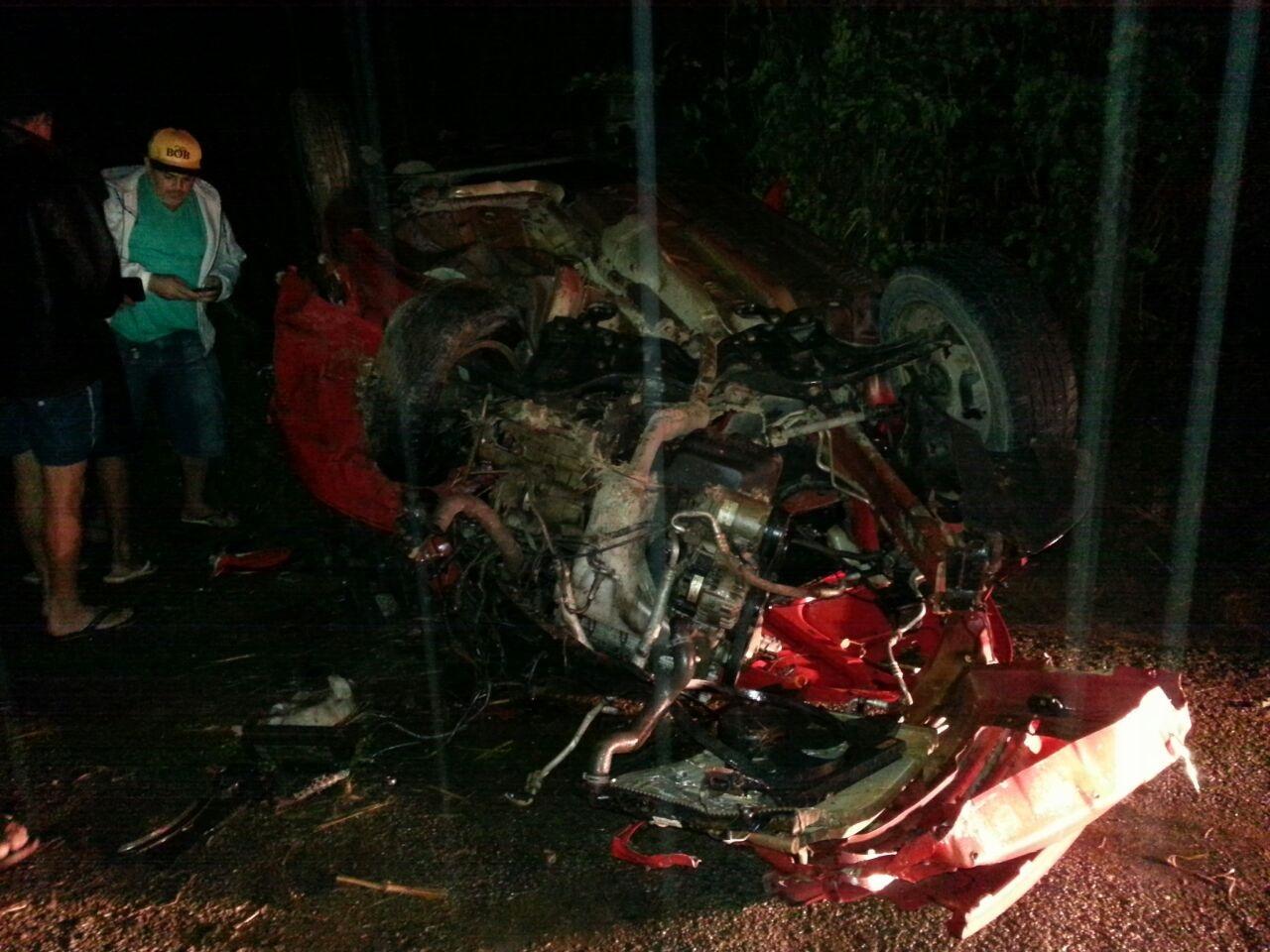 Duas pessoas morrem e três ficam feridas após grave acidente na ...